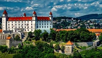 Летим в Словакию из Москвы в две стороны всего за 4900 рублей